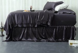 Get To Know About Top 3 Best Silk Sheet Sets For Luxurious Sleep