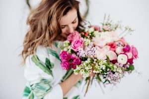 Ways You Can Make Someone Smile with Flower Gifts